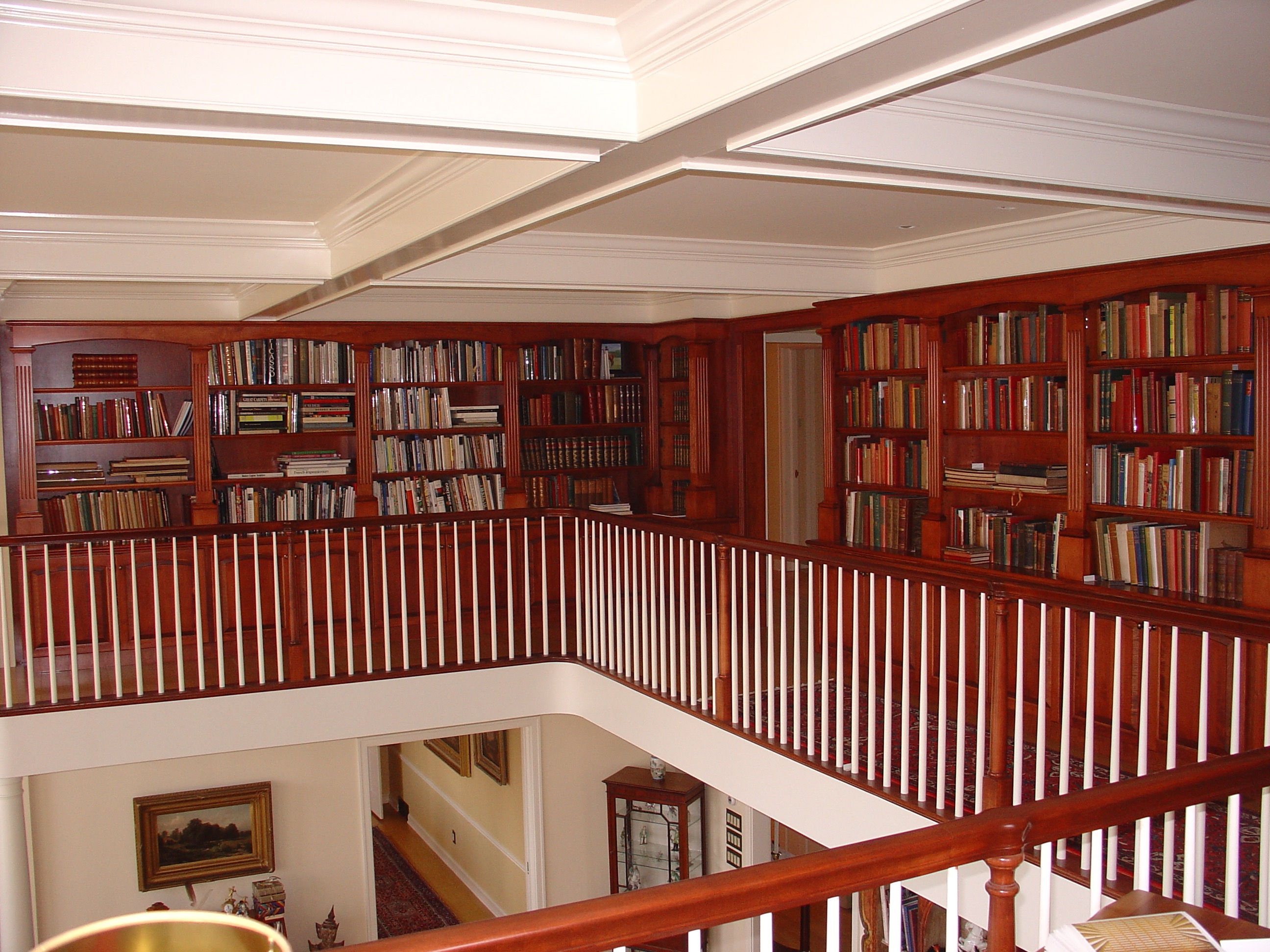Library built on a mezzanine