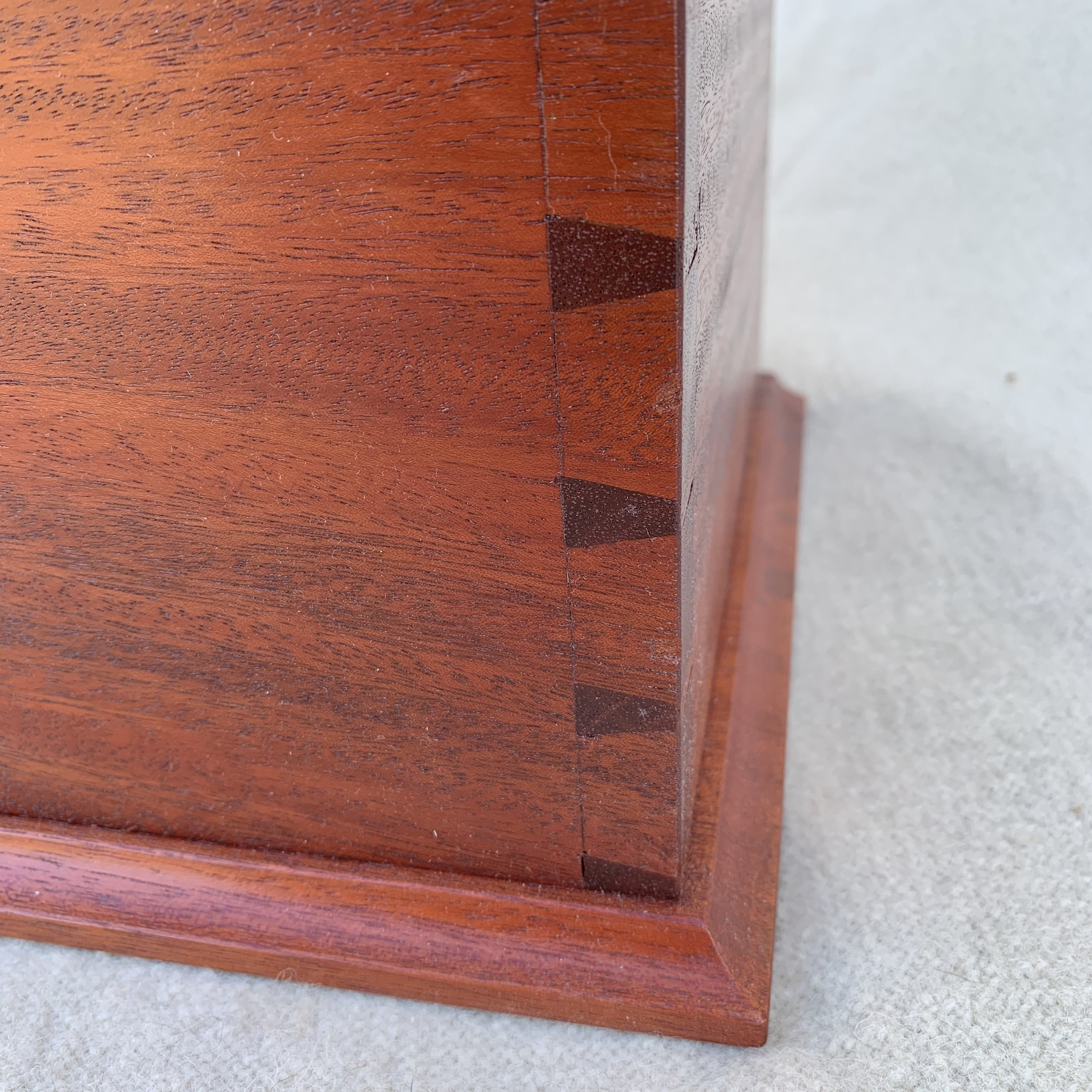 Table box detail
