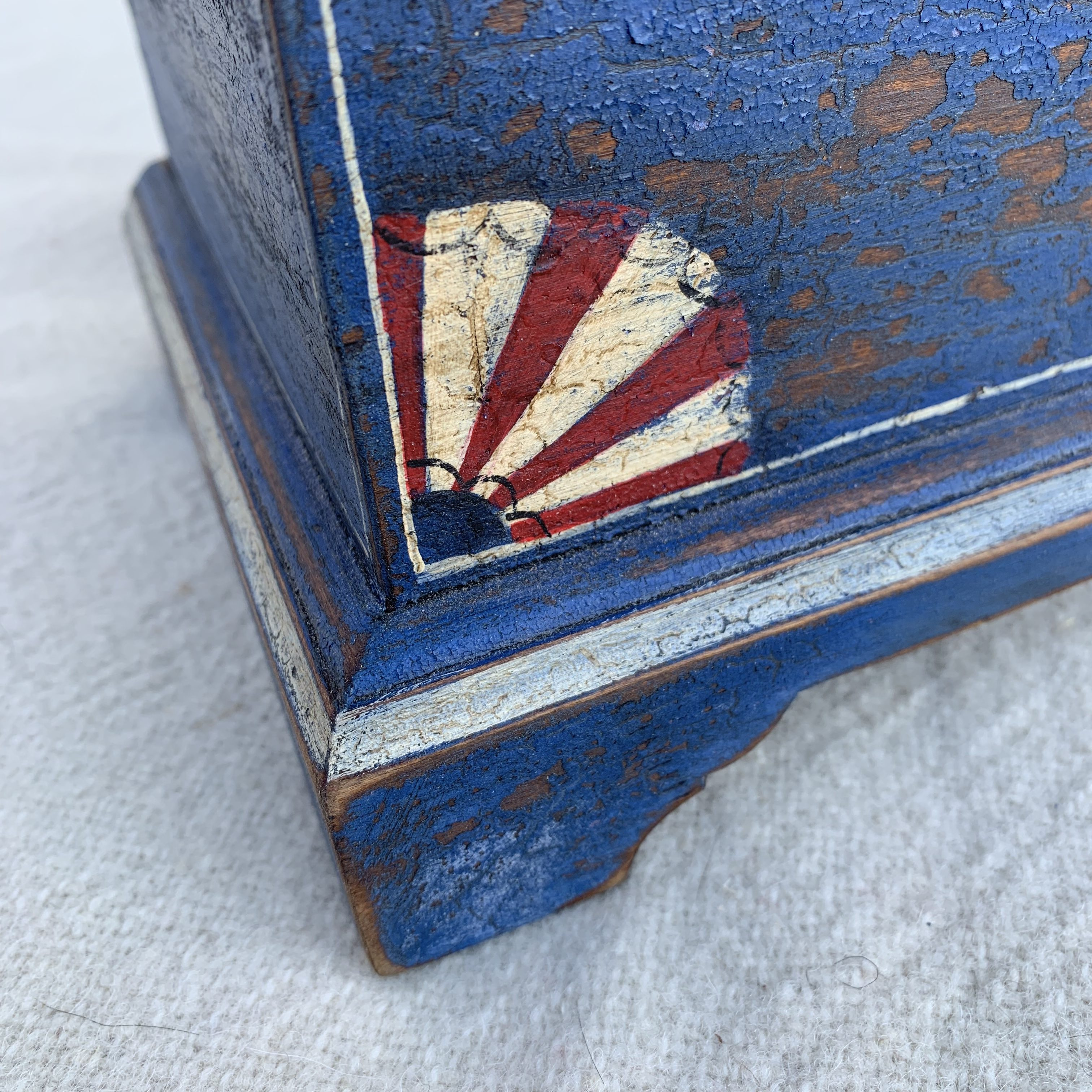Painted box detail